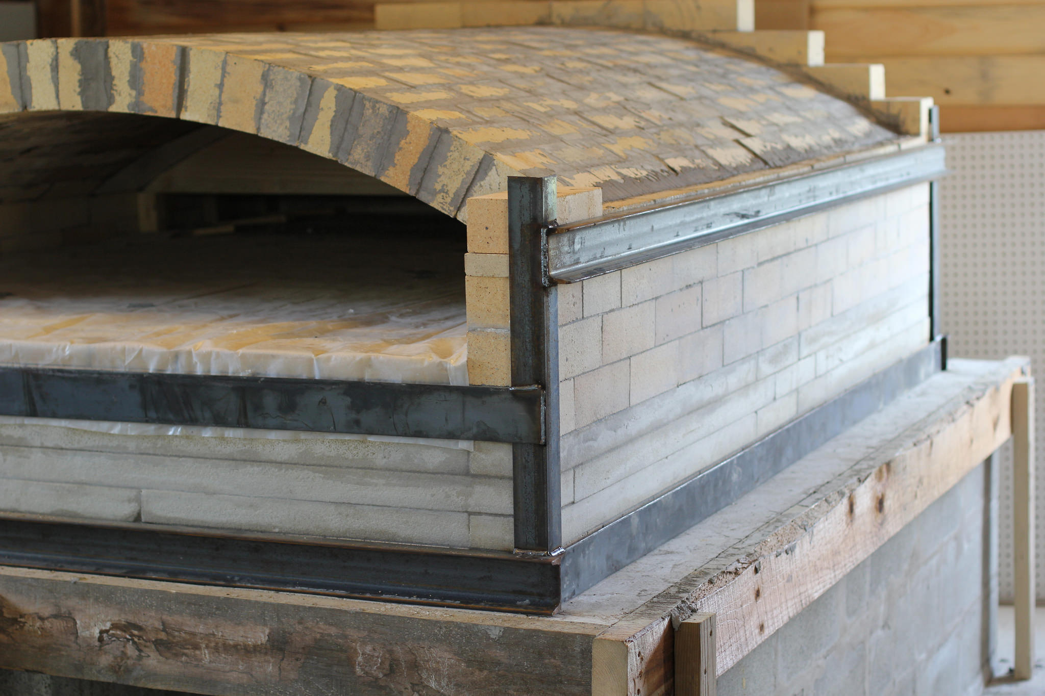 A Wood Fired Bread Oven Without Chimney